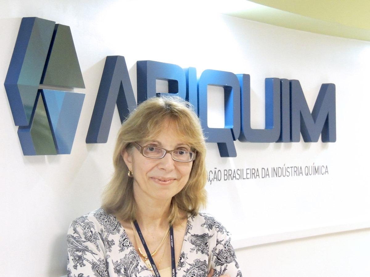 Química e Derivados - Denise: setor quer contribuir com inserção comercial do país